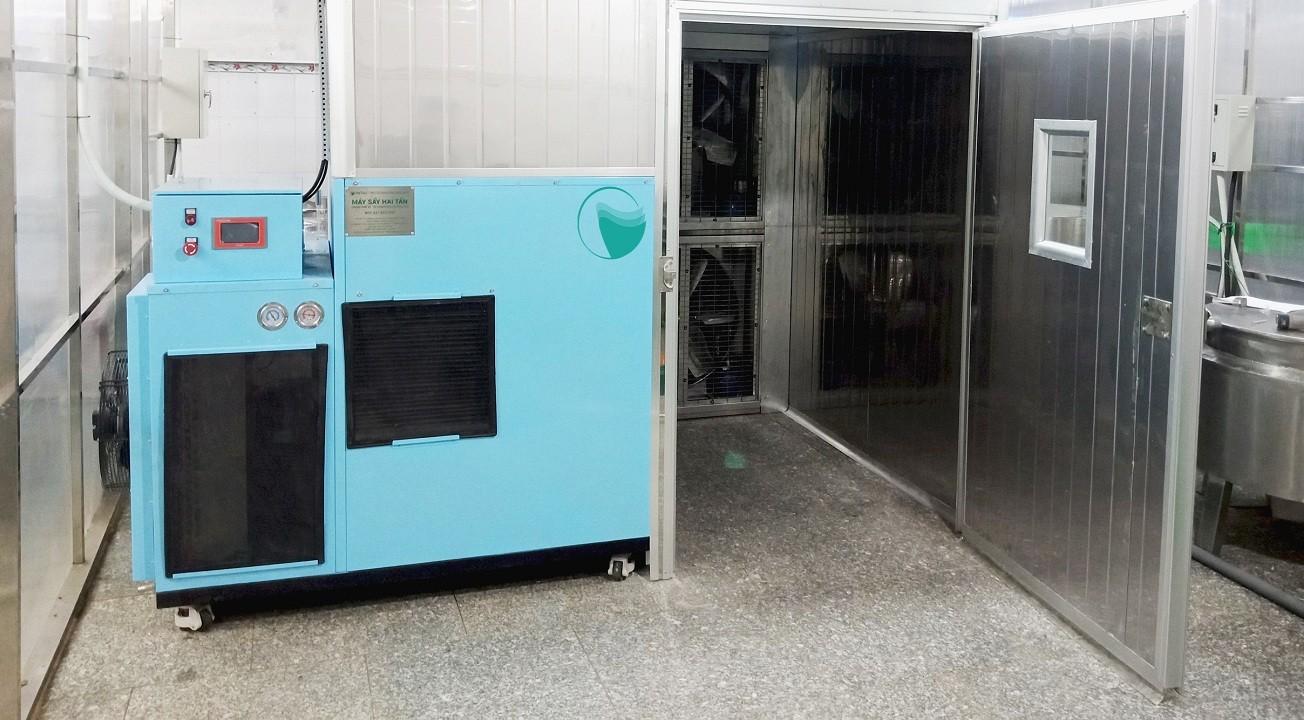 máy sấy khô hoa quả công nghiệp