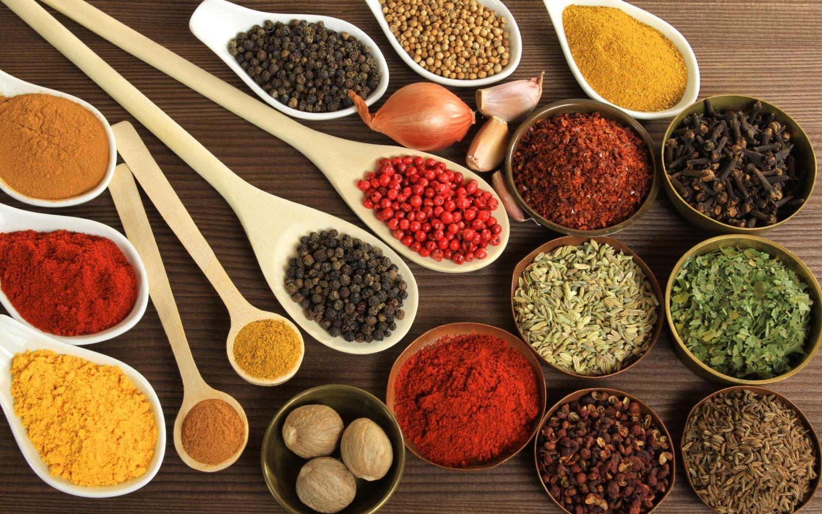 Cách gia giảm hương liệu trong món ăn